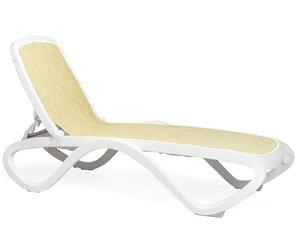 Omega ligbed Nardi in de kleur wit/beige