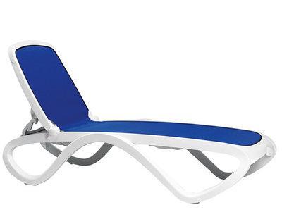 Omega ligbed Nardi in de kleur wit/blauw