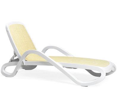 Nardi Alfa ligbed Nardi in de kleur wit/beige