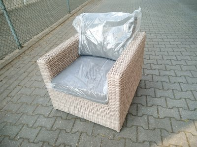 2 stuks loungestoelen