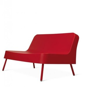 kunststof loungebank BOB van resol Joan Gaspar kleur: rood